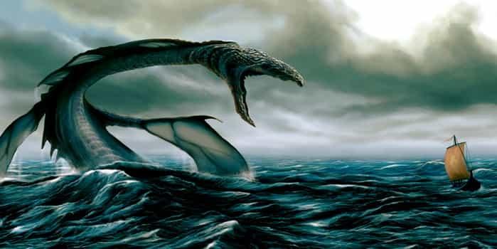 Морской змей приближается к кораблю