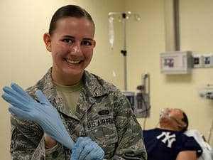 Военная медсестра
